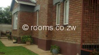 Room  in Adelaide Pk Gweru