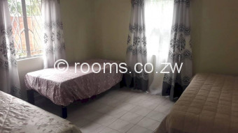 Room  in Northend
