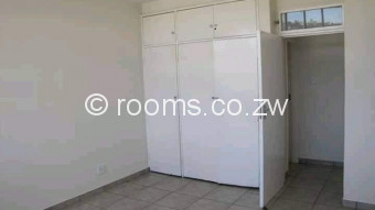 Room  in Avenues